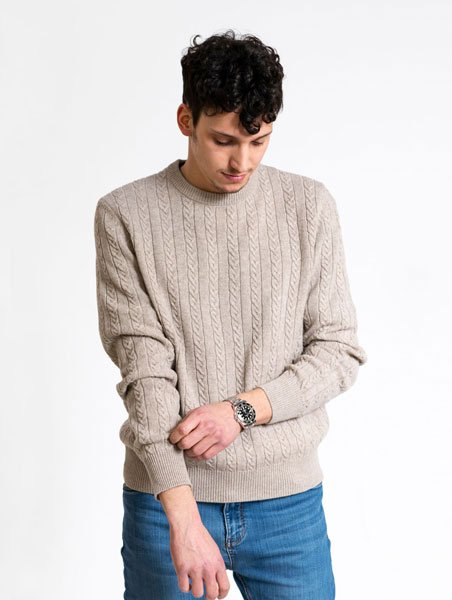 Stefano Cau made to measure knitwear are made upon customer order. We use cashmere, cotton and natural fibres.